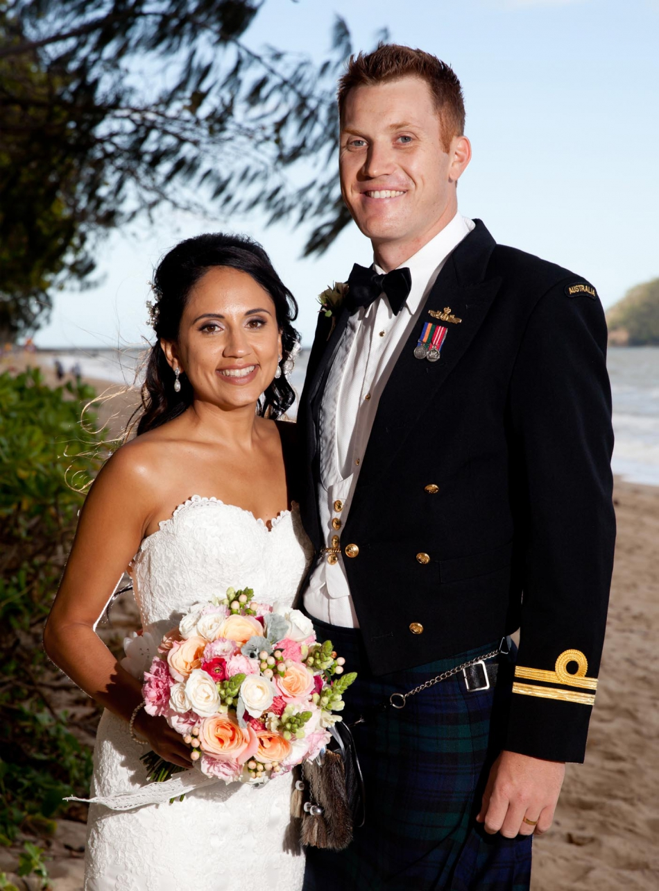 Palm Cove wedding Photographer captures beautiful wedding images at sarayi Palm Cove.